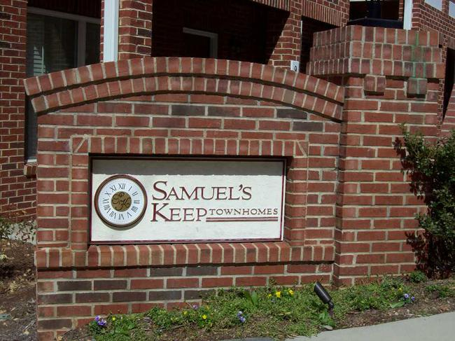 SamuelKeepentrance sign