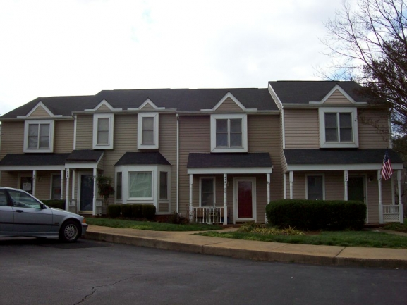 Forest Pointe Front Exterior